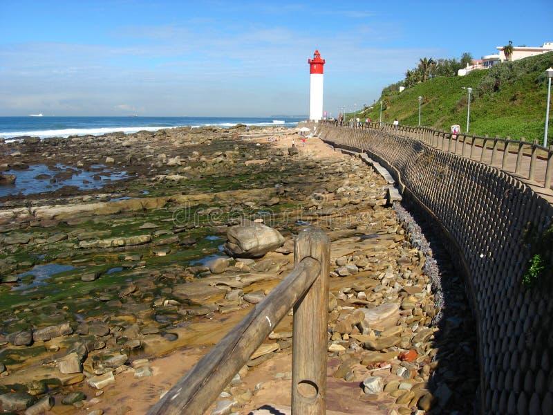 Ο φάρος Umhlanga είναι ένα γνωστό ορόσημο ακριβώς βόρεια του Durban της Νότιας Αφρικής στοκ φωτογραφία