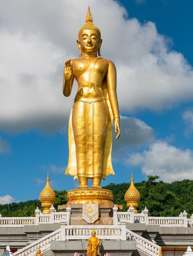 Ο χρυσός Βούδας στο καπέλο Yai, Ταϊλάνδη στοκ φωτογραφία