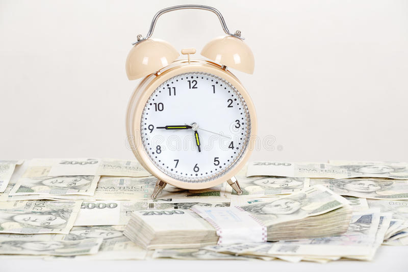 Ο χρόνος είναι επιχειρησιακή έννοια χρημάτων στοκ εικόνες