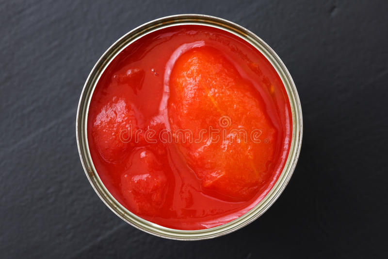 Ολόκληρες κονσερβοποιημένες ντομάτες στοκ φωτογραφία με δικαίωμα ελεύθερης χρήσης