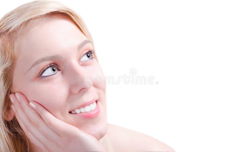 Όμορφος νέος θαυμασμός γυναικών ευτυχής στοκ φωτογραφία με δικαίωμα ελεύθερης χρήσης