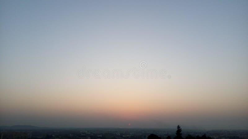 Ο όμορφος ουρανός με το tricolor στοκ φωτογραφία με δικαίωμα ελεύθερης χρήσης