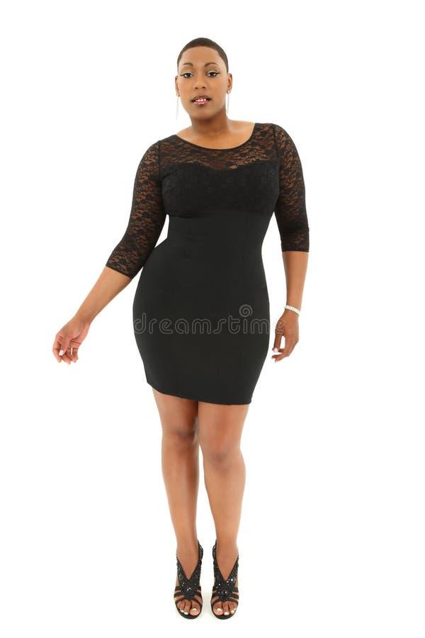 Ο όμορφος προκλητικός Μαύρος συν το μοντέλο μεγέθους στοκ φωτογραφία