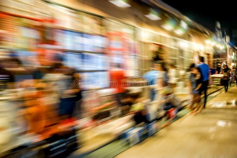 Download Οδός αγοράς νύχτας στοκ εικόνες. εικόνα από υπαίθριος - 62717980