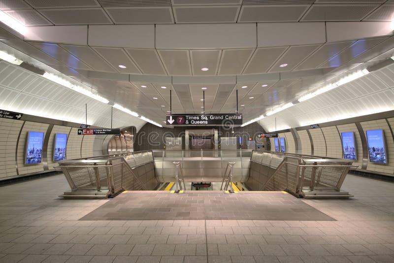 34 οδός - εσωτερικό σχέδιο σταθμών μετρό ναυπηγείων του Hudson στη Νέα Υόρκη στοκ φωτογραφία με δικαίωμα ελεύθερης χρήσης