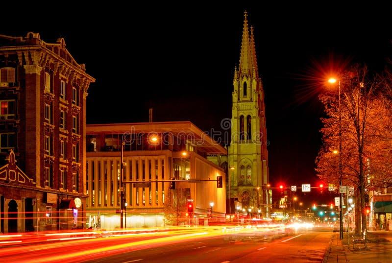 Οδός νύχτας του στο κέντρο της πόλης Ντένβερ - λεωφόρος ανατολικού Colfax στοκ φωτογραφίες με δικαίωμα ελεύθερης χρήσης
