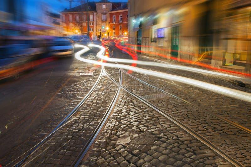 Οδός της Λισσαβώνας στη νύχτα στοκ εικόνες