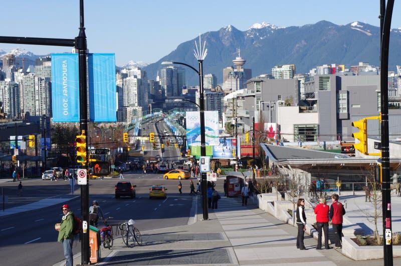 Οδός Cambie με τα εμβλήματα Vancouver2010 στοκ εικόνες