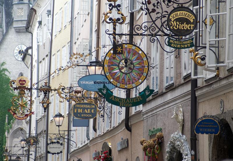 Οδός Getreidegasse στο Σάλτζμπουργκ στοκ εικόνες