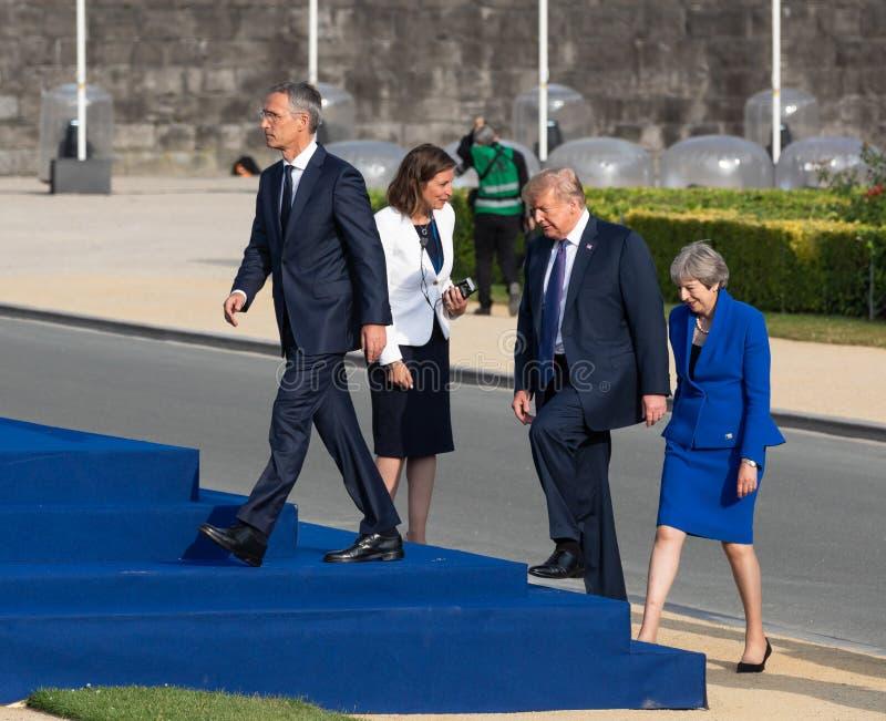 Ο Jens Stoltenberg, ο Ντόναλντ Τραμπ και η Τερέζα μπορούν στοκ φωτογραφία