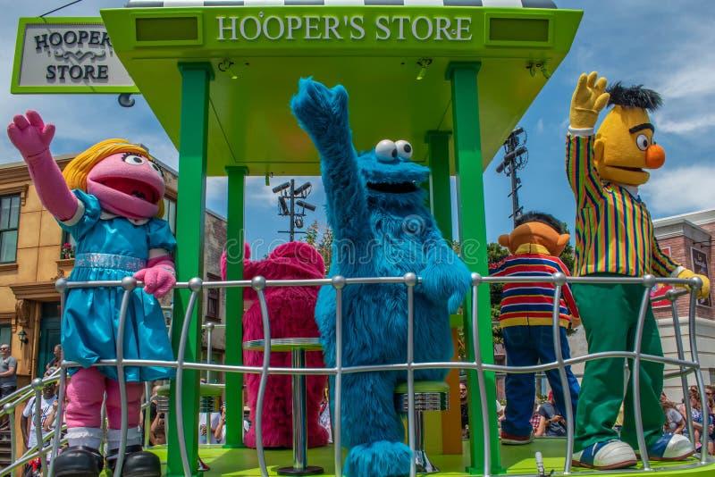 Ο Prairie Dawn χορεύει στην παρέλαση του Sesame Street Party στο Seaworld 5 στοκ εικόνες