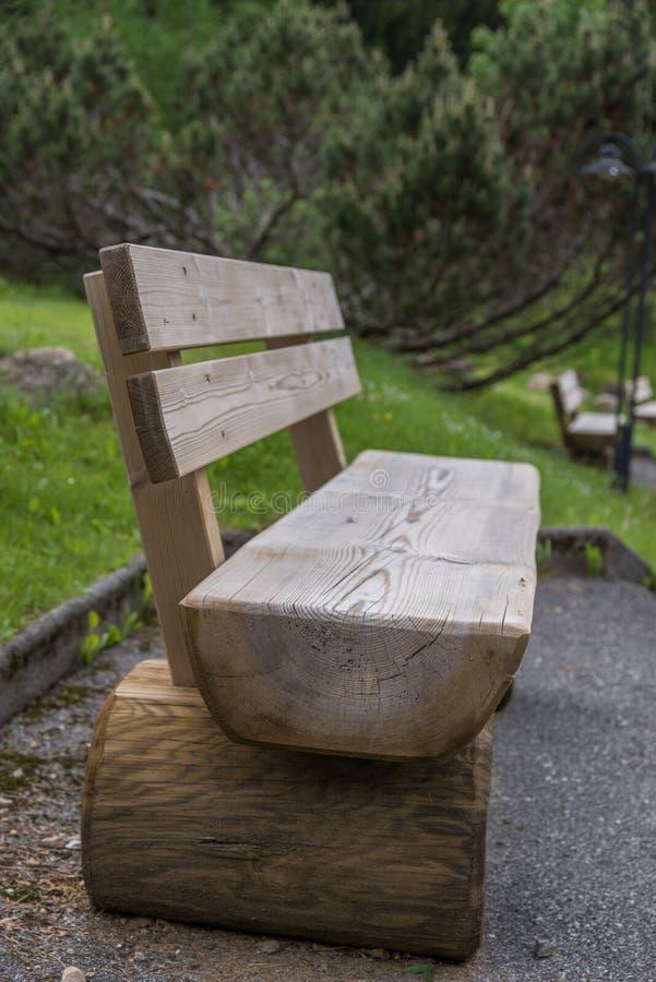 Πάγκος φιαγμένος από στερεό ξύλο στοκ εικόνες με δικαίωμα ελεύθερης χρήσης