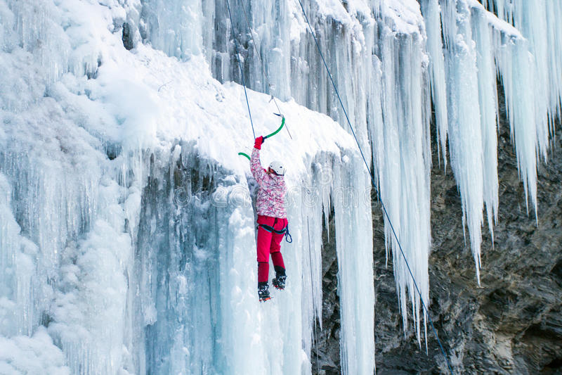 Πάγος που αναρριχείται στο βόρειο Καύκασο στοκ εικόνα με δικαίωμα ελεύθερης χρήσης