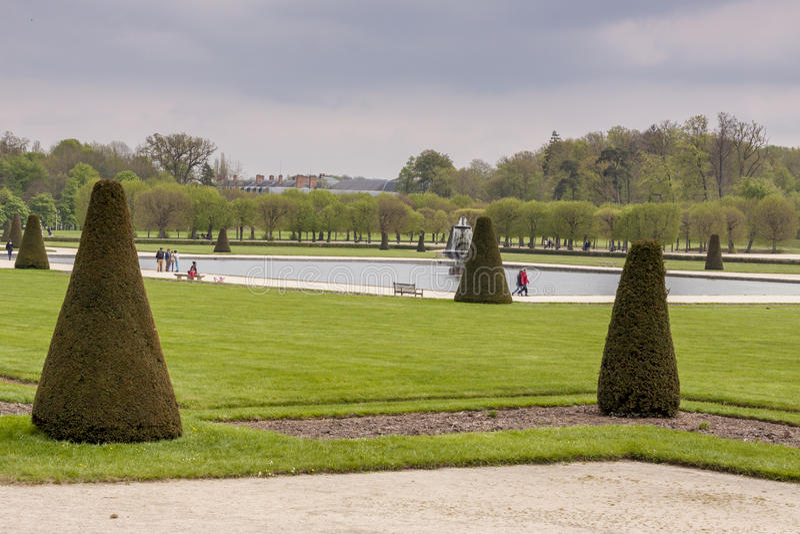 Πάρκο δίπλα στο βασιλικό κάστρο κυνηγιού στο Φοντενμπλώ, Γαλλία στοκ φωτογραφία με δικαίωμα ελεύθερης χρήσης