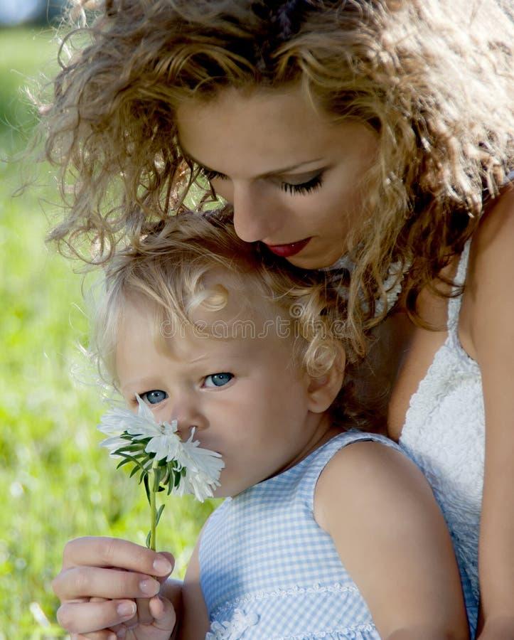 πάρκο μητέρων κορών στοκ φωτογραφίες