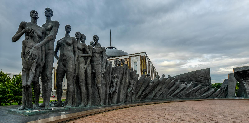 Πάρκο νίκης, μνημείο ολοκαυτώματος στοκ εικόνες