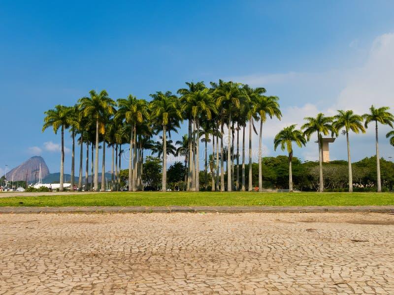 Πάρκο Flamengo με τη φραντζόλα ζάχαρης στο υπόβαθρο, Ρίο ντε Τζανέιρο, Βραζιλία στοκ φωτογραφία με δικαίωμα ελεύθερης χρήσης