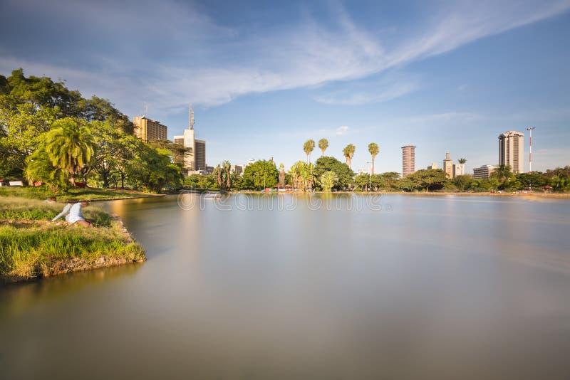 Πάρκο Uhuru και ορίζοντας του Ναϊρόμπι, Κένυα στοκ φωτογραφίες