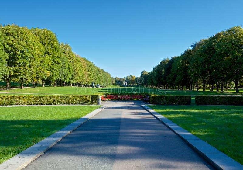 Πάρκο Vigeland στο Όσλο κατά τη διάρκεια της όμορφης ημέρας φθινοπώρου στοκ φωτογραφίες