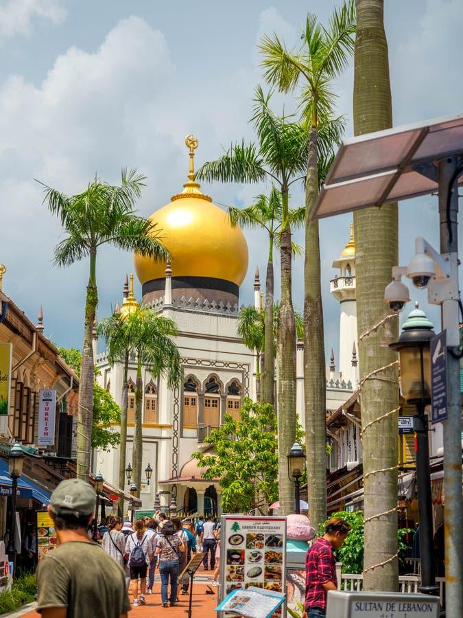 Πάροδος Haji, Σιγκαπούρη στις 26 Νοεμβρίου 2018  Κύρια άποψη του σουλτάνου Masjid Muscat στην οδό στο Kampong Glam Μουσουλμανικό  στοκ φωτογραφίες με δικαίωμα ελεύθερης χρήσης