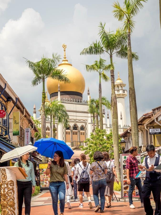 Πάροδος Haji, Σιγκαπούρη στις 26 Νοεμβρίου 2018  Κύρια άποψη του σουλτάνου Masjid Muscat στην οδό στο Kampong Glam Μουσουλμανικό  στοκ εικόνα
