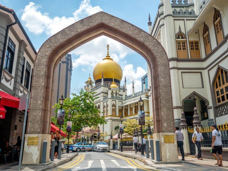 Πάροδος Haji, Σιγκαπούρη στις 26 Νοεμβρίου 2018  Κύρια άποψη του σουλτάνου Masjid Muscat στην οδό στο Kampong Glam Μουσουλμανικό  στοκ εικόνες με δικαίωμα ελεύθερης χρήσης