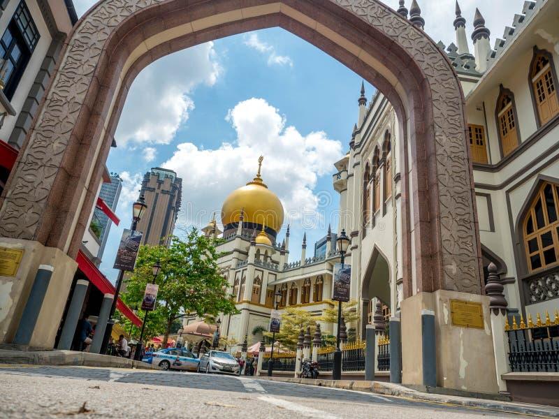 Πάροδος Haji, Σιγκαπούρη στις 26 Νοεμβρίου 2018  Κύρια άποψη του σουλτάνου Masjid Muscat στην οδό στο Kampong Glam Μουσουλμανικό  στοκ εικόνα με δικαίωμα ελεύθερης χρήσης