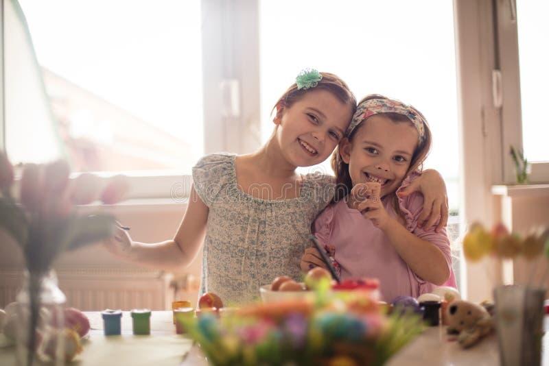 Πάσχα είναι θαυμάσιες οικογενειακές διακοπές στοκ εικόνα με δικαίωμα ελεύθερης χρήσης