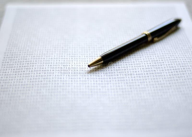 πέννα εγγράφων στοκ φωτογραφία με δικαίωμα ελεύθερης χρήσης
