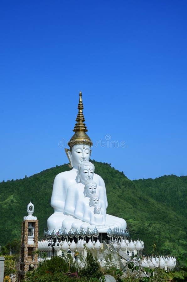 Πέντε Βούδας στη μέση μιας κοιλάδας: Ταϊλάνδη στοκ εικόνες