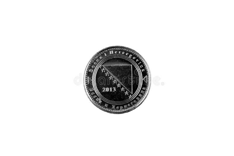 Πέντε Fenings νόμισμα που απομονώνεται βοσνιακό στο λευκό στοκ φωτογραφία με δικαίωμα ελεύθερης χρήσης