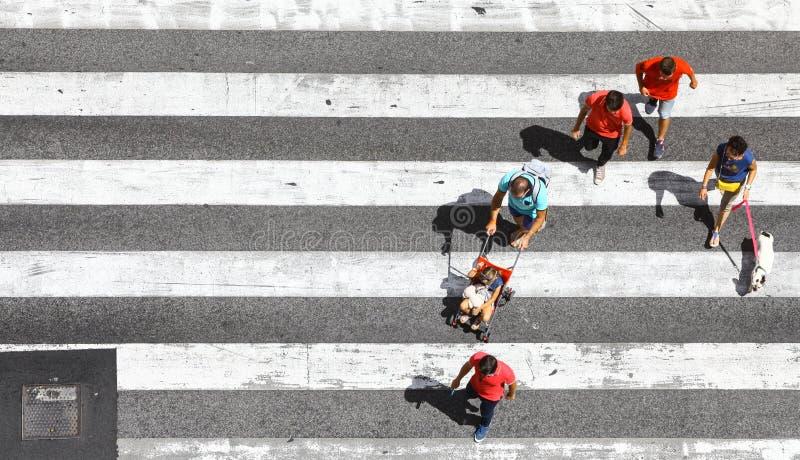 Πέρασμα πεζών η οδός στοκ φωτογραφίες με δικαίωμα ελεύθερης χρήσης