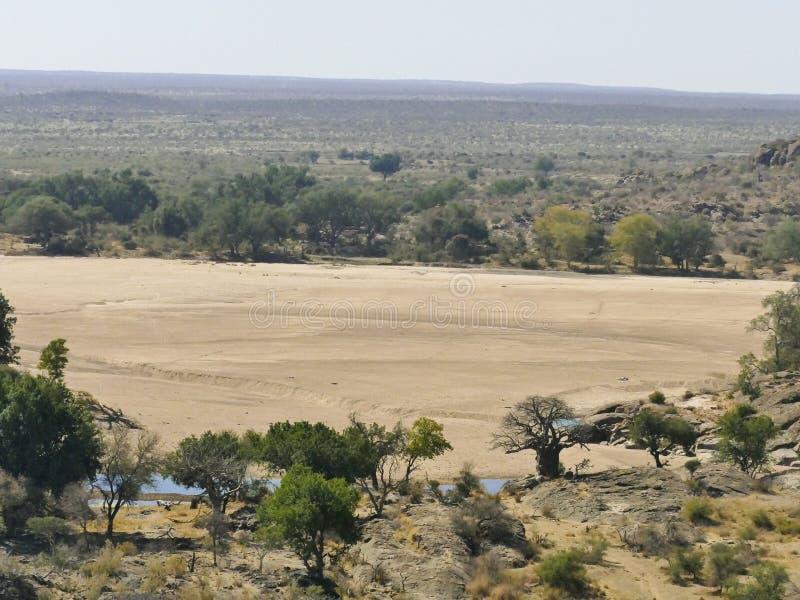 Πέρασμα ποταμών Limpopo το τοπίο ερήμων του έθνους Mapungubwe στοκ εικόνες