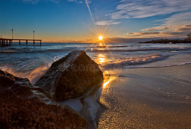 πέρα από την ανατολή θάλασσ&alph στοκ φωτογραφία με δικαίωμα ελεύθερης χρήσης