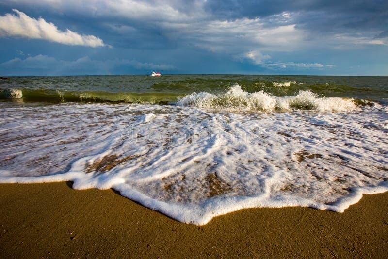 πέρα από τη θύελλα θάλασσα&si στοκ εικόνες