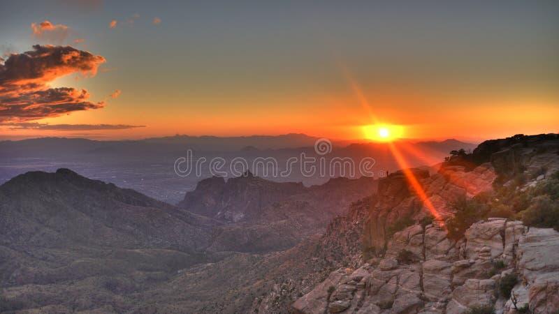 πέρα από το ηλιοβασίλεμα Tucson στοκ εικόνα με δικαίωμα ελεύθερης χρήσης