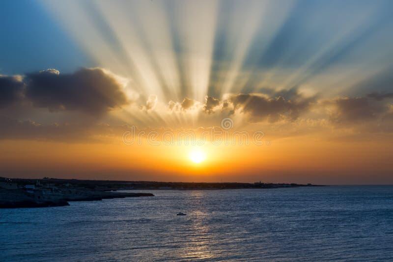 πέρα από το ηλιοβασίλεμα &theta στοκ φωτογραφίες με δικαίωμα ελεύθερης χρήσης