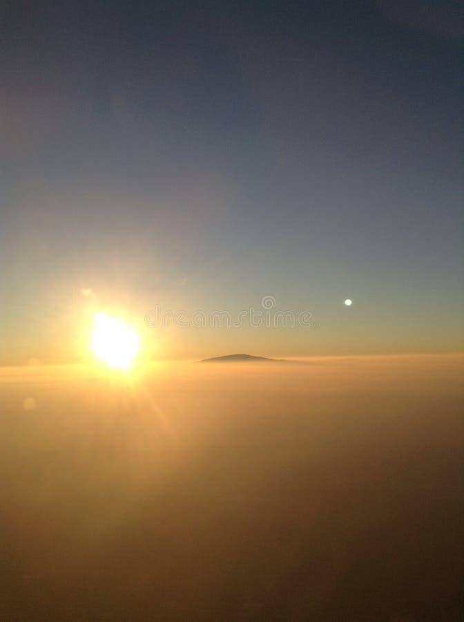 Πέρα από το σύννεφο στοκ φωτογραφία με δικαίωμα ελεύθερης χρήσης