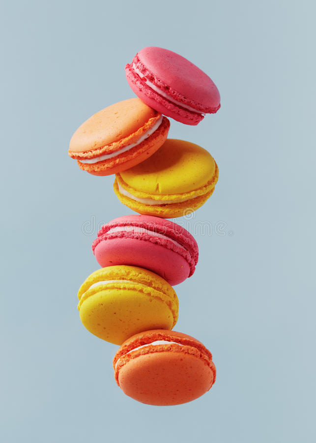 Πέταγμα Macarons στοκ εικόνα