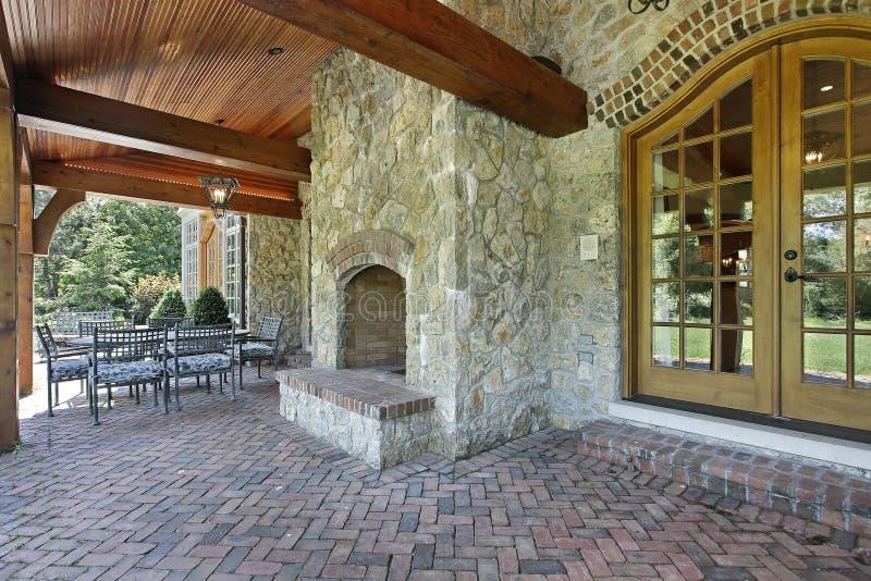 πέτρα patio εστιών τούβλου στοκ φωτογραφίες με δικαίωμα ελεύθερης χρήσης