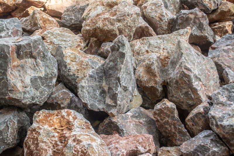 Πέτρες για την κατασκευή που χρειάζεται τη δύναμη, όπως ο τοίχος, οικοδόμηση στοκ εικόνα
