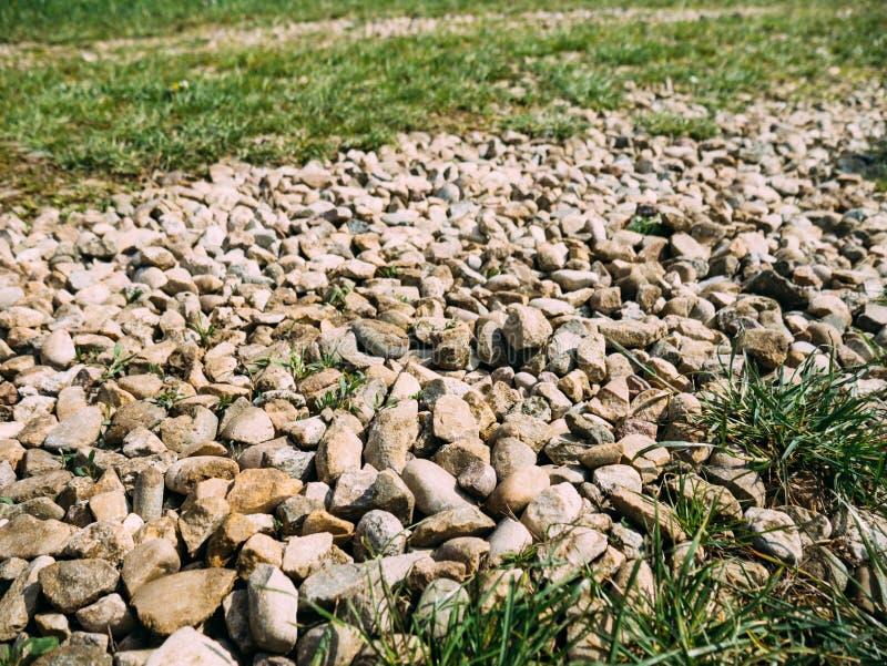 Πέτρες στο οδικό μετάλλευμα στοκ φωτογραφίες με δικαίωμα ελεύθερης χρήσης