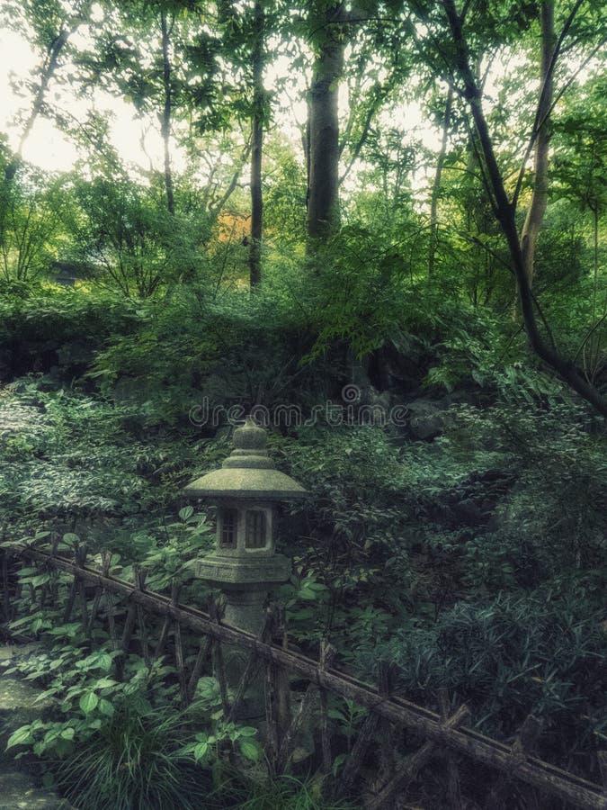 Πέτρινα αγάλματα φαναριών στο Forest Park ναών Lingyin, Hangzhou, επαρχία Zhejiang, Κίνα, Ασία στοκ φωτογραφία με δικαίωμα ελεύθερης χρήσης