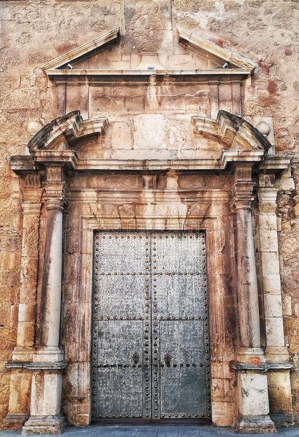 Πέτρινη πόρτα στοκ εικόνες