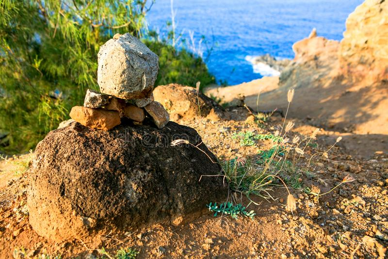 Πέτρινοι τύμβοι, σημείο Nakalele, Maui, Χαβάη στοκ φωτογραφίες