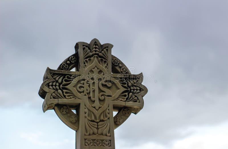 Πέτρινος θρησκευτικός γλυπτός σταυρός στοκ φωτογραφία με δικαίωμα ελεύθερης χρήσης
