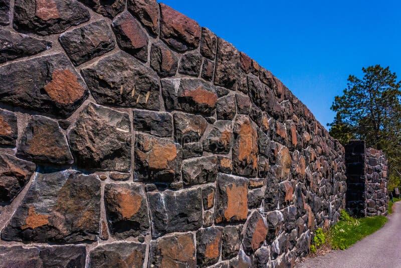 Πέτρινος τοίχος κανένα δέντρο στοκ εικόνα με δικαίωμα ελεύθερης χρήσης