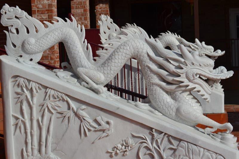 Πέτρινο άγαλμα του δράκου στοκ εικόνες
