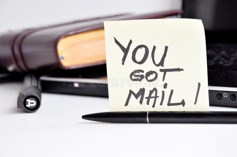 Πήρατε την αυτοκόλλητη ετικέττα ταχυδρομείου στοκ εικόνα