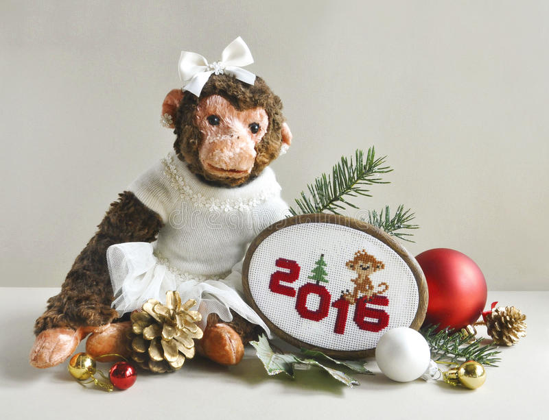 Download Πίθηκος παιχνιδιών με τη βελονιά κεντητικής Στοκ Εικόνα - εικόνα από macaque, σωρός: 62702581